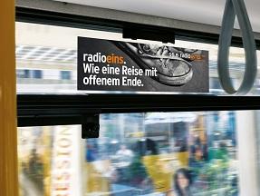 Bus-Innenwerbung, Seitenscheiben, Berlin