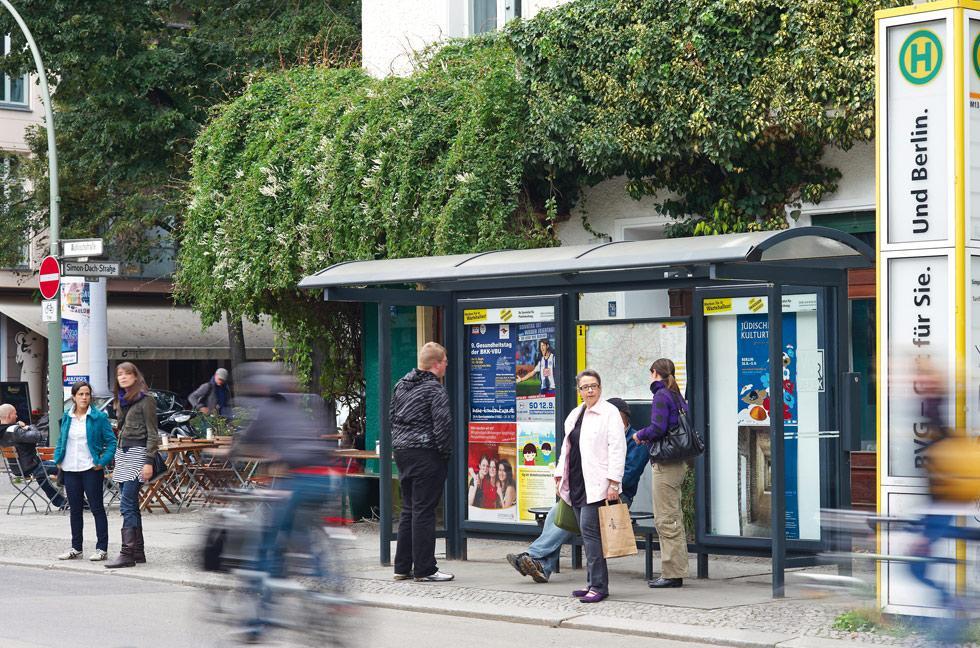 Wartehallenwerbung, BVG, Berlin, Plakatwerbung