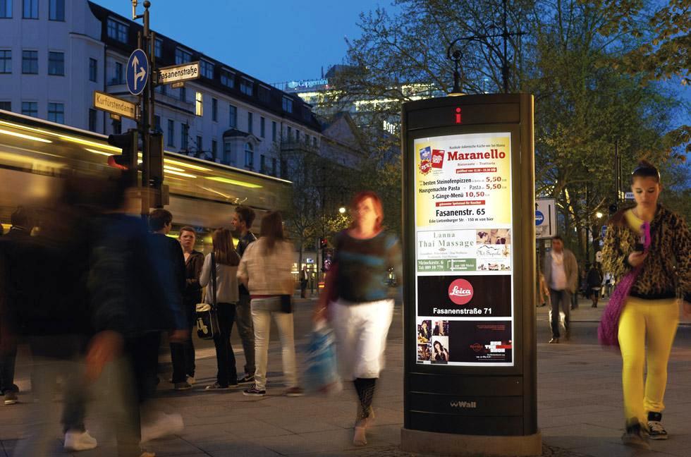 Werbestelen, Kurfürstendamm, Pylonwerbung, Berlin